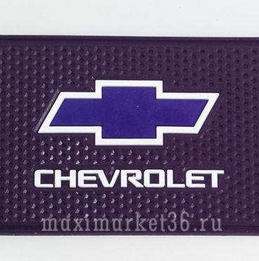 kovrik-antiskatnyi-silikonovyi-15smh10sm-s-logotipom-chevrolet