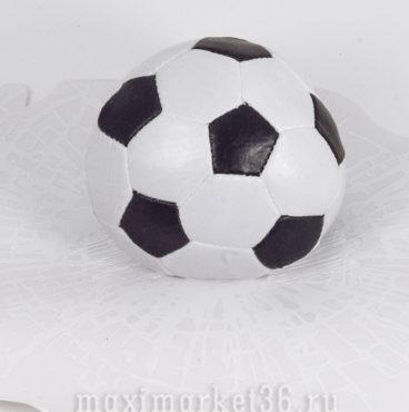 naklei-ka-myach-futbolnyi-na-steklo-2