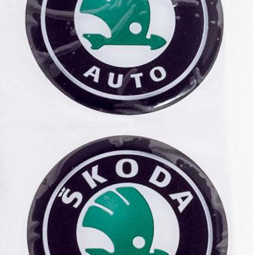 naklei-ki-na-kolpak-stupitsy-s-emblemoi-shkoda-folga-pressovannaya