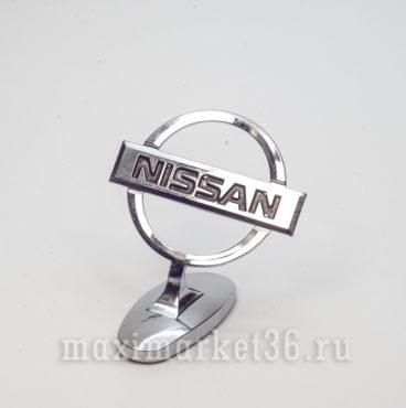 Эмблема на капот (прицел) NISSAN металлическая на самоклейке(скотч 3М)