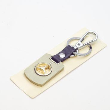 Брелок 008 на ключ металлический ЗОЛОТО на кожаной подвеске с объёмным логотипом MERCEDES (0956)
