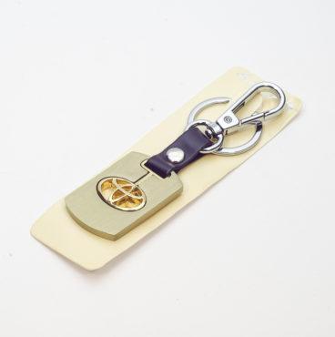 Брелок 022 на ключ металлический ЗОЛОТО на кожаной подвеске с объёмным логотипом DAEWOO (1168)