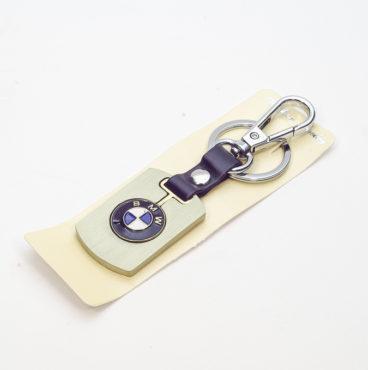 Брелок 024 на ключ металлический ЗОЛОТО на кожаной подвеске с объёмным логотипом BMW (1199)