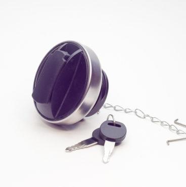 Крышка бензобака SCANIA с замком 80 мм металл(защита ключа,цепочка) DA-01361(2993923,1402004,14813)