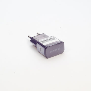 ЗУ 220V Вилка-зарядное учтройство 012 USB чёрный (N) SAMSUNG 6400*8226